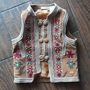🎈10/$30 Vtg bono embroidered vest girls XS
